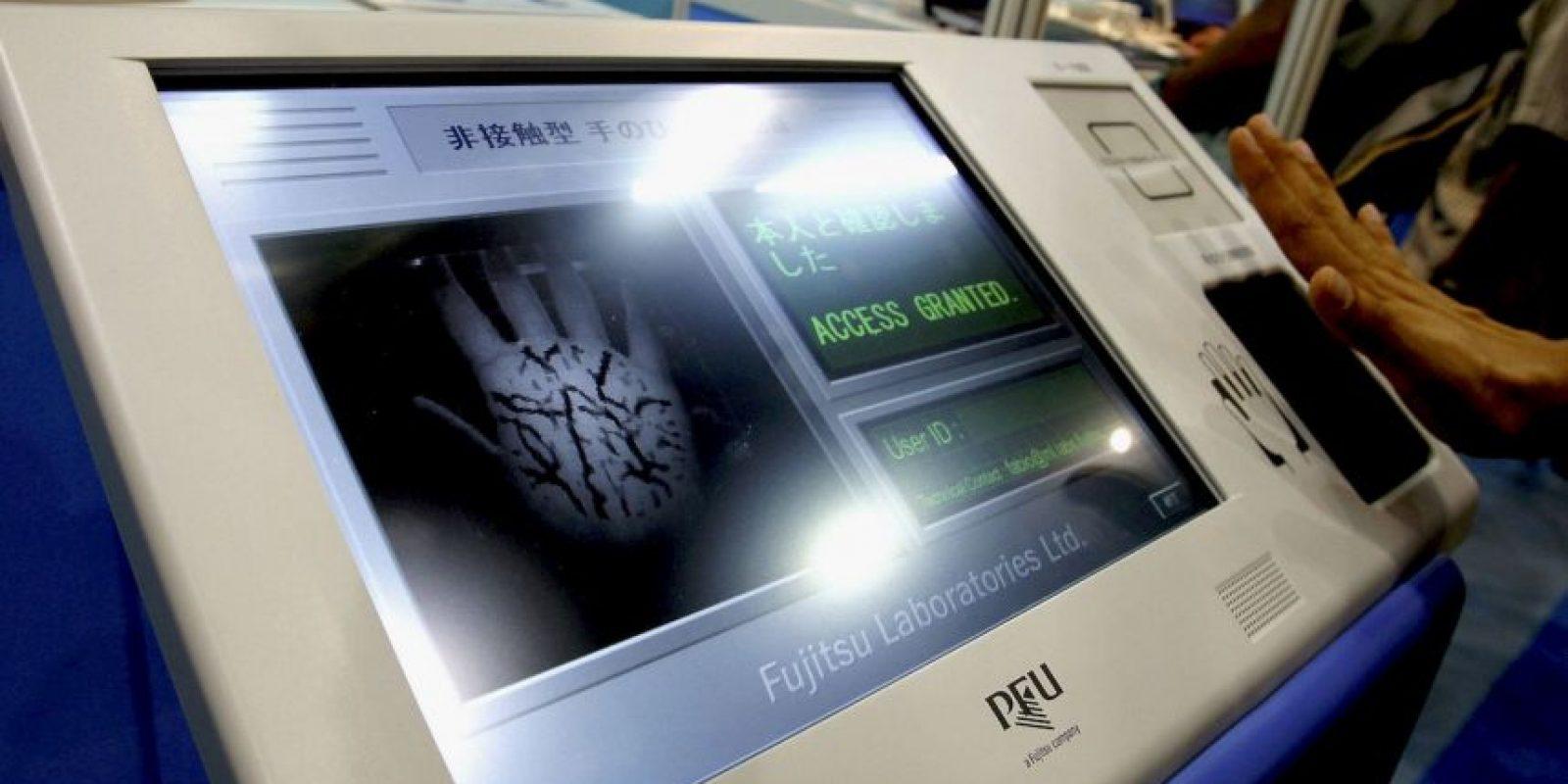 La encriptación biométrica es recurrente en fabricas o empresas, la cual ofrece un mejor control en seguridad, información y de personal. Foto:Getty