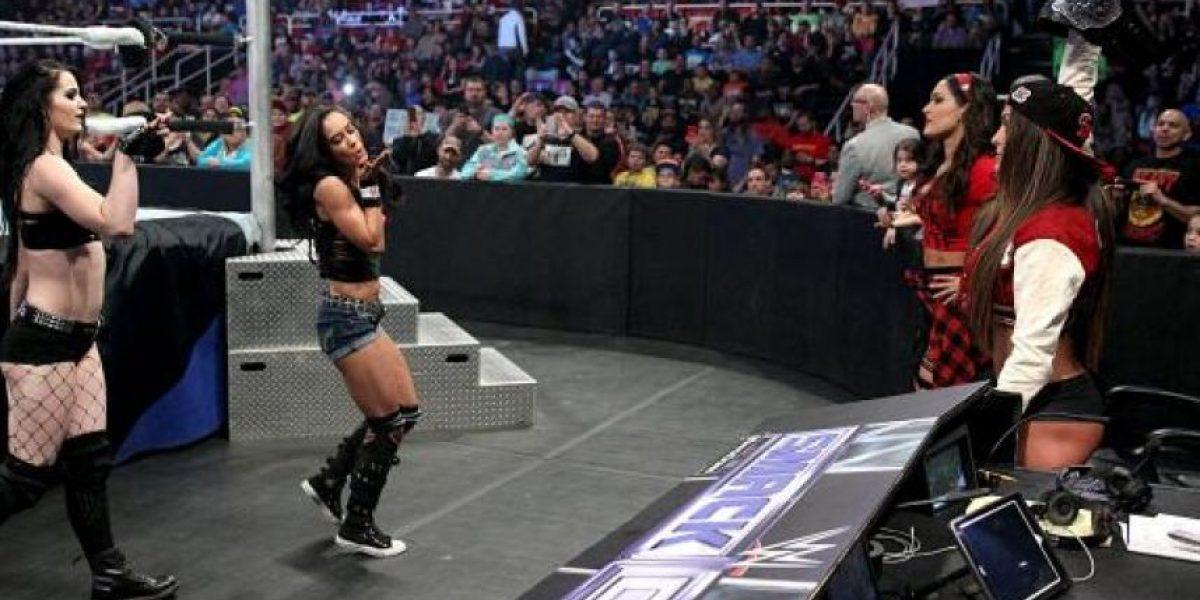Diva de la WWE hace oficial su noviazgo con un músico