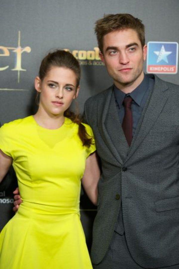 La actriz fue captada en varias imágenes en los brazos de Rupert Sanders, luego de la publicación de las fotos, Pattinson dejó la casa que compartía con la joven actriz. Foto:Getty