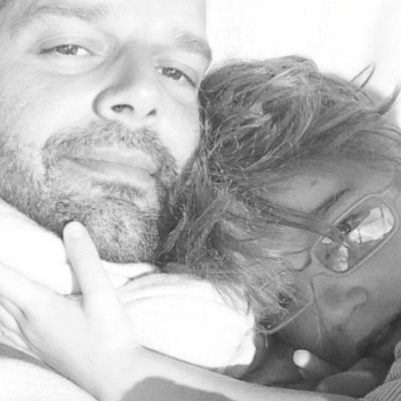 """""""A nuestro Gobernador @agarciapadilla, al Secretario de Justicia, César Miranda, es momento de crecerse ante los tiempos; la oposición que hasta hoy han expresado de que las personas LGBTI, como yo, tengamos la oportunidad de legalizar una unión matrimonial, es una violación nuestros derechos."""" Foto:Instagram/ Ricky Martin"""