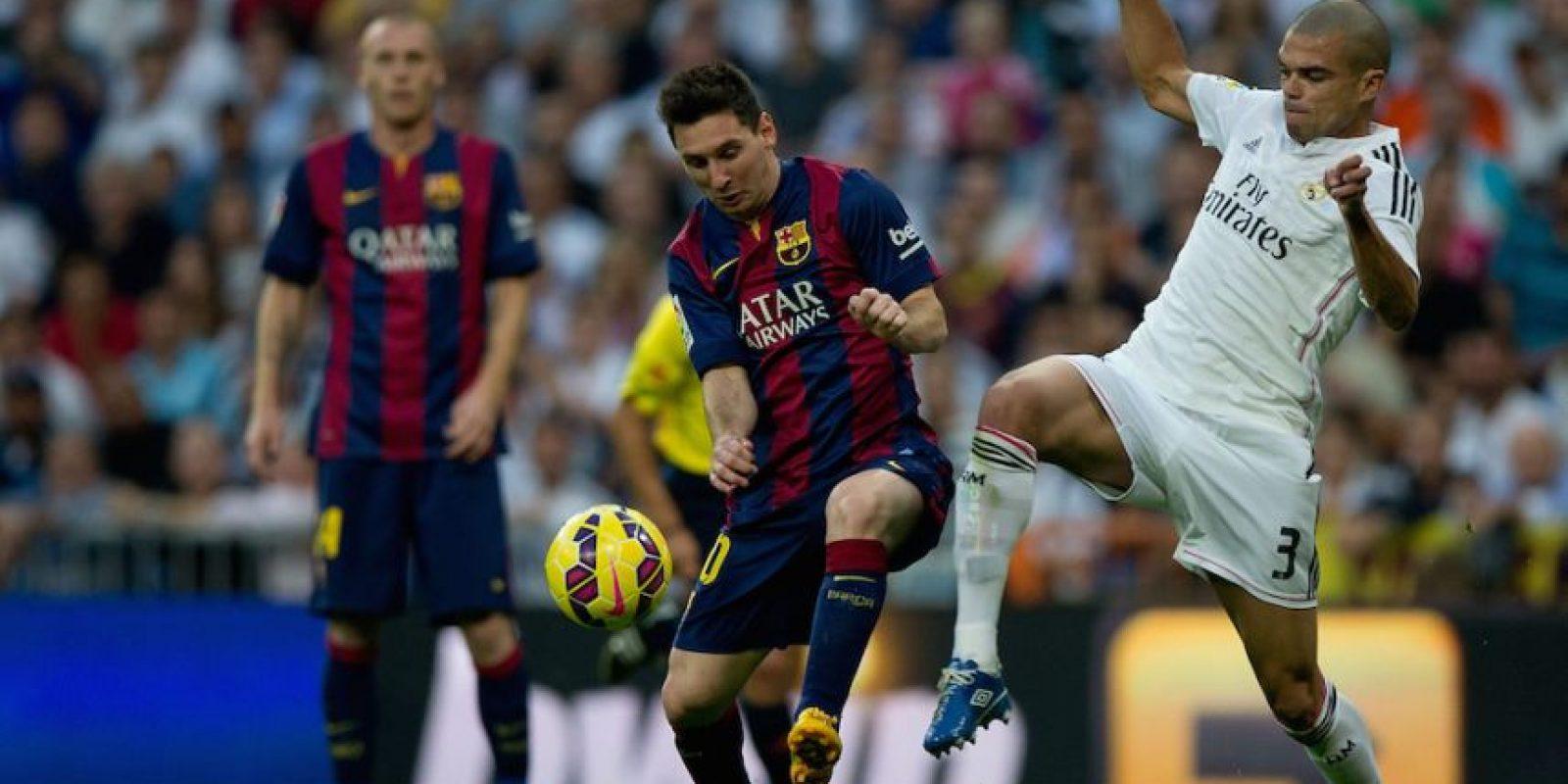 Barcelona y Real Madrid buscan el liderato de la Liga española. Foto:Getty Images