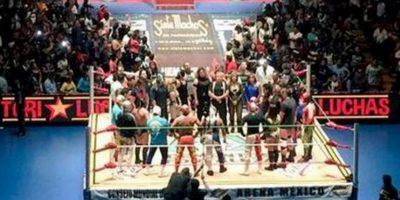 La lucha mexicana también brindó un reconocimiento al fallecido peleador Foto:Triple A