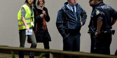 Parientes de las víctimas arriban al Aeropuerto Internacional de Düsseldorf Foto:Getty Images