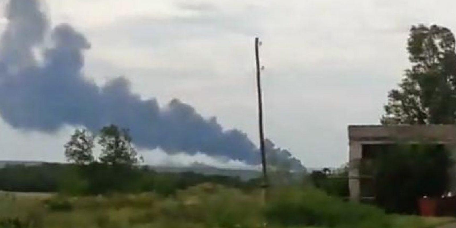 295 personas murieron abordo en el avión que cayó en la frontera entre Rusia y Ucrania. 280 eran pasajeros y 15 eran miembros de la tripulación. Foto:Twitter @wrecktify