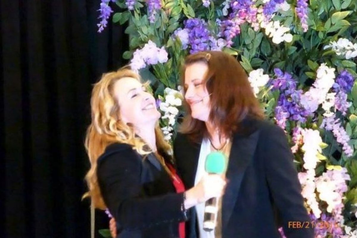 Las actrices durante un reciente encuentro con fans Foto:Twitter @Farfadette12