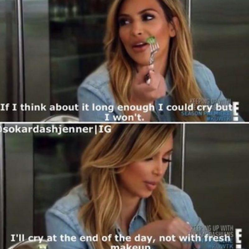 """12. """"Pensé en llorar, pero no"""", dice Kim. """"Se me correría el maquillaje"""". Foto:E!"""