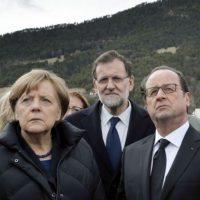 Los mandatarios de Alemania, Francia y España acudieron al lugar de la tragedia Foto:AFP