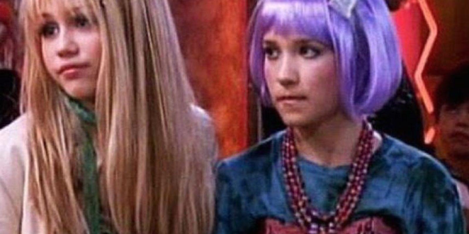 """Interpretó a """"Lily Truscott"""", la mejor amiga de """"Hannah"""" Foto:Twitter @emilyosment"""