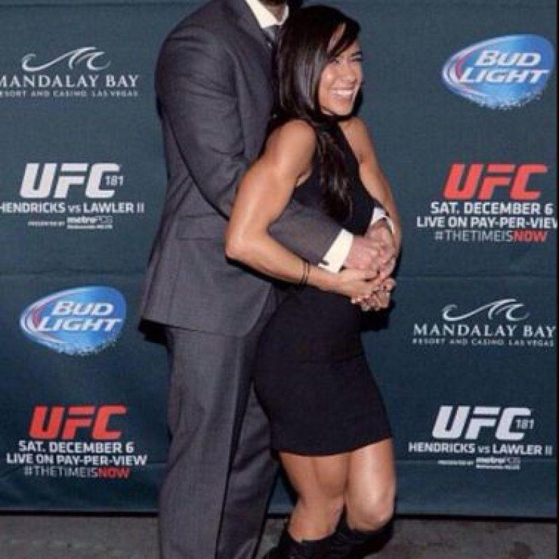 Es la novia del exluchador CM Punk Foto:Twitter: @WWEAJLee