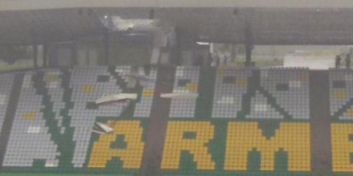 FOTOS: Diluvio daña el techo del estadio Centenario de Armenia