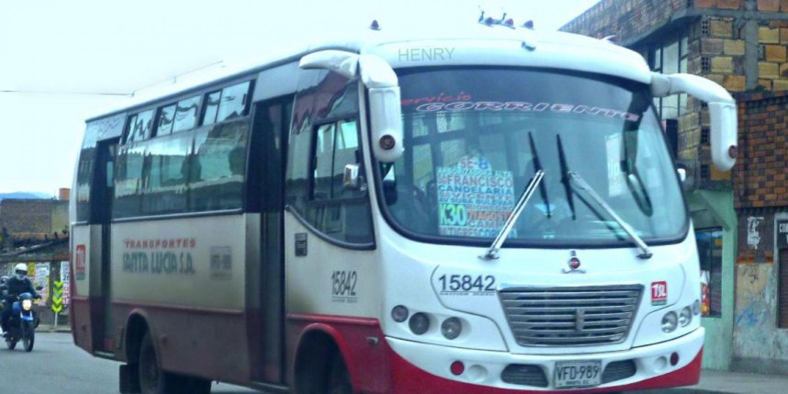 """La idea es mostrar las mejores """"lanchas"""", o buses, para generar sentido de pertenencia hacía los carros de transporte público en Colombia. Foto:Facebook Buseteros con estilo"""