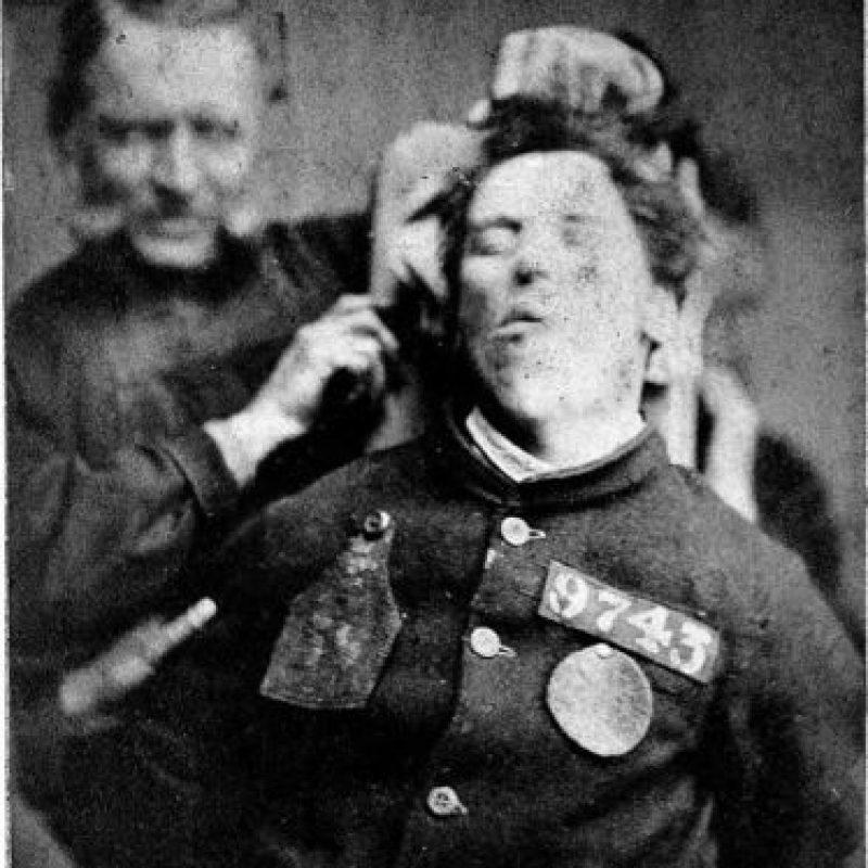 En ese tiempo muchas personas con enfermedades mentales eran tratadas como delincuentes.
