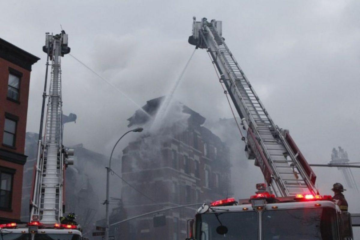 Se quema un segundo edificio Foto:AFP