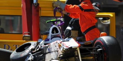 El mexicano perdió el control de su monoplaza cuando conducía a más de 230 km/h a la salida de un túnel, y se estrelló contra el muro de contención. El resultado: conmoción cerebral y esguince en el muslo. Foto:Getty Images