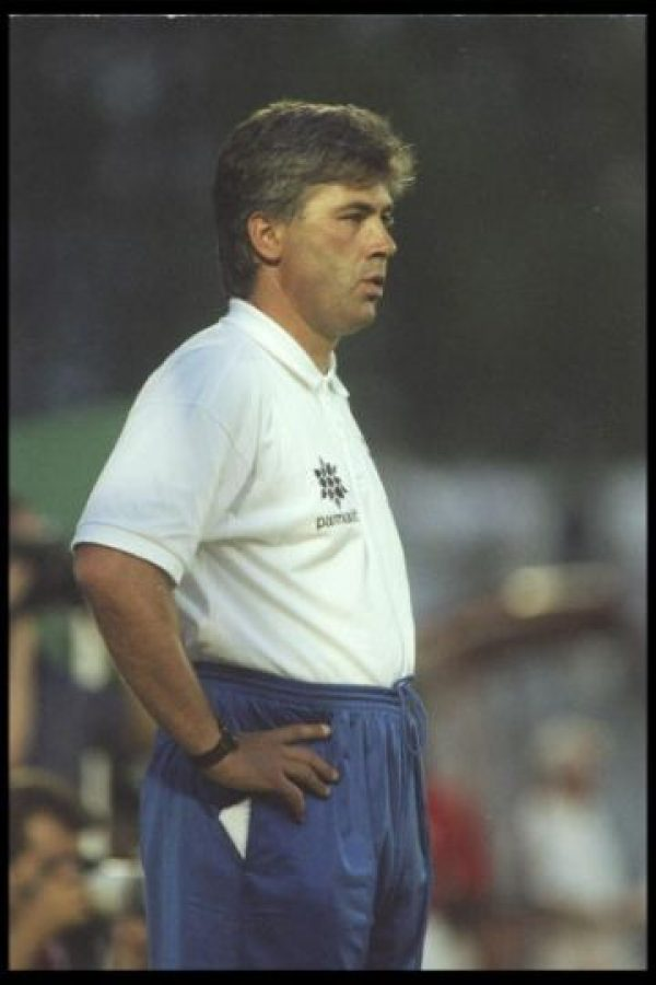 En 1995 debutó como entrenador dirigiendo al Reggiana, en los últimos años de este equipo en la Serie A. Descendió en 1997. Foto:Getty Images
