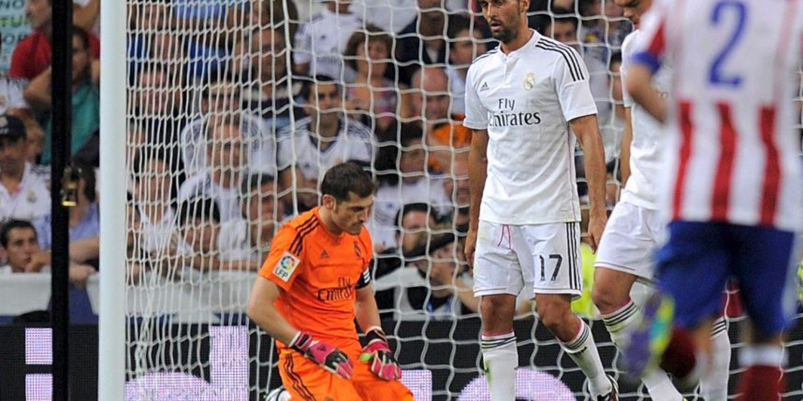 En el derbi de Madrid, Iker Casillas fue señalado por errores en mínimo, dos goles. El primero, en un tiro de larga distancia de Tiago que parecía fácil de detener, y el segundo, en el tanto marcado por Saúl Ñíguez. Foto:Getty Images