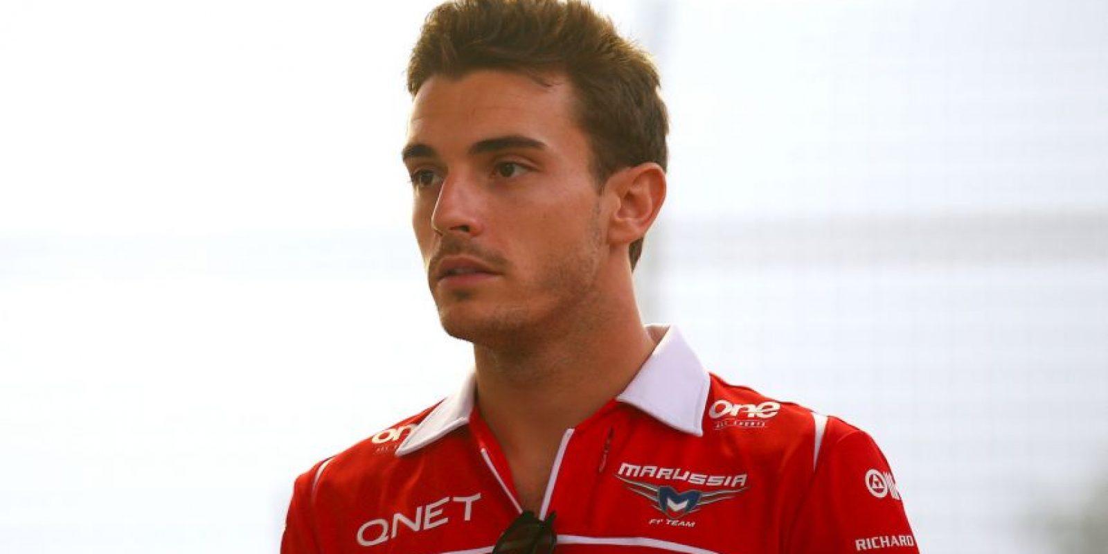 En el Gran Premio de Japón de la temporada 2014. el piloto de Marussia, Jules Bianchi, sufrió un accidente que lo tiene aún luchando entre la vida y la muerte. Foto:Getty Images