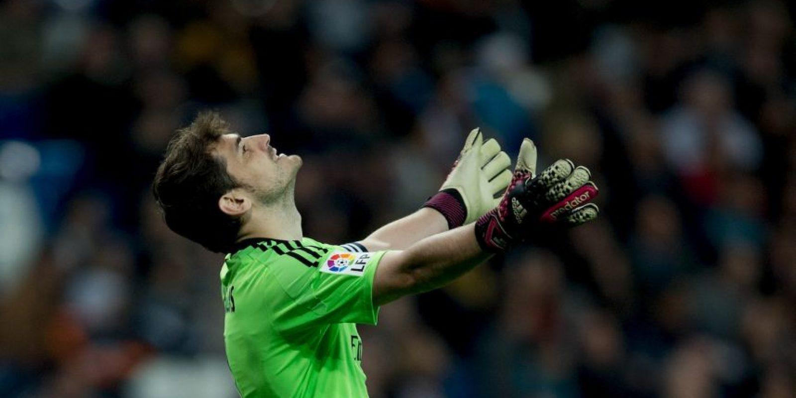 En las eliminatorias rumbo a la Eurocopa de 2016, Iker Casillas cometió un error que significó la derrota de España ante Eslovaquia. Todo porque en un tiro libre en contra, el arquero se confió de más y dejó que Kicka le anotara. Foto:Getty Images