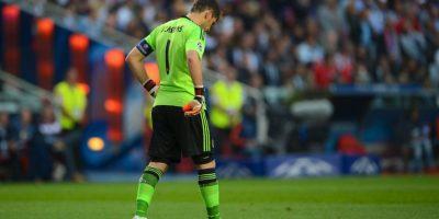 El el duelo de octavos de final ante el Schalke 04, Iker Casillas tuvo responsabilidad en los tres primeros goles de los alemanes, los cuales casi le cuestan la eliminación al conjunto merengue. Foto:Getty Images