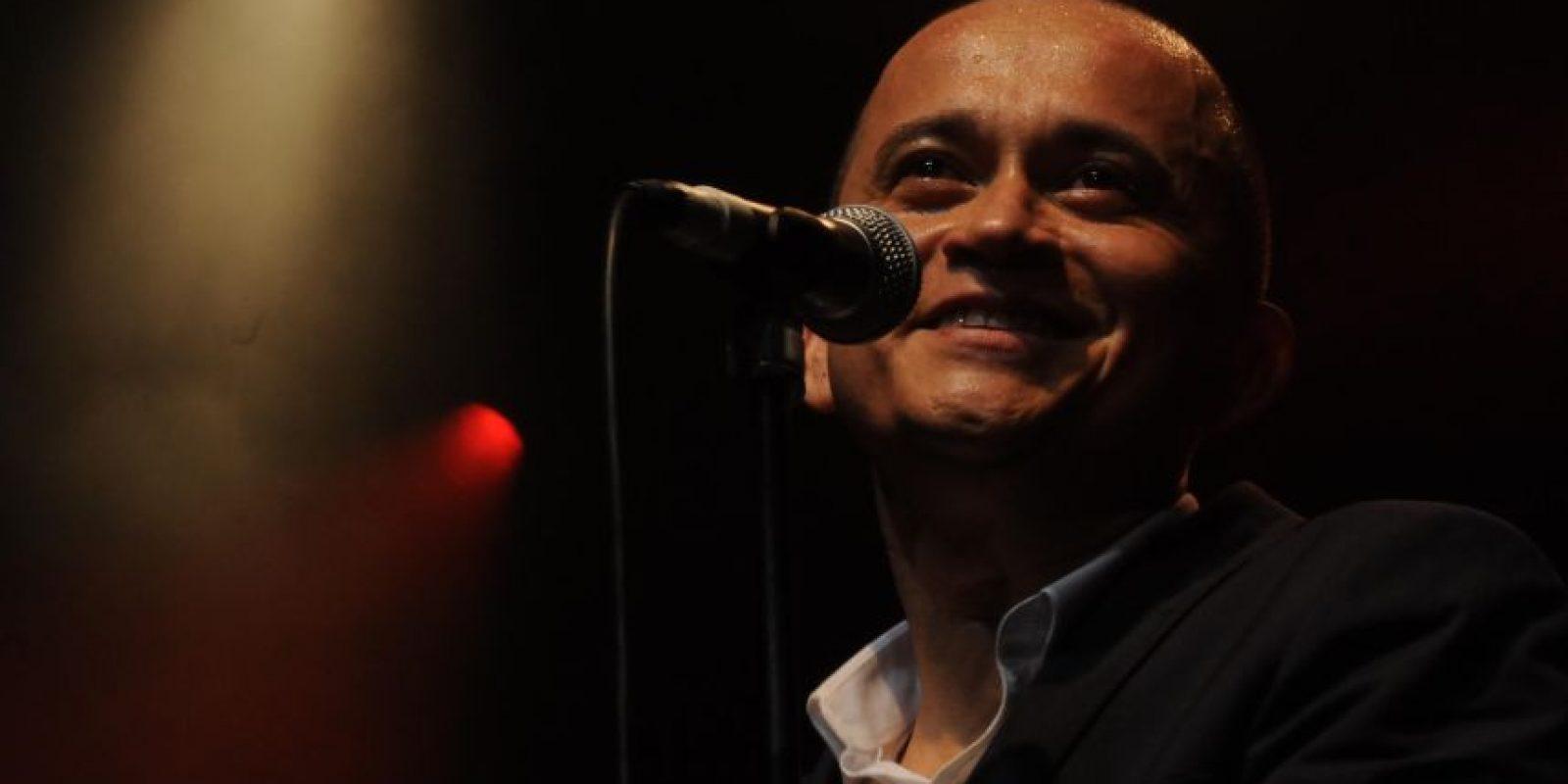 Yuri Buenaventura:Este cantante de salsa caleño se formó en París, a donde se fue a estudiar economía. Allá empezó cantando en el metro, hasta que se convirtió en uno de los cantantes más reconocidos de Francia. Cuando ya era famoso allá, se dio a conocer en Colombia.
