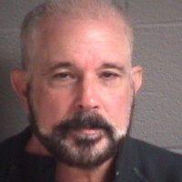 Cuando lo capturaron Lantigua llevaba un peluquín marrón y una barba teñida. Foto:AP