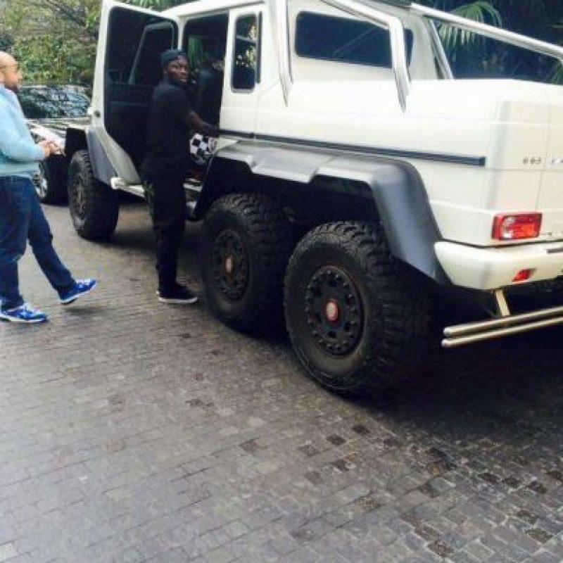 Apasionado de los autos, la última adquisición de Muntari es un Mercedes-Benz G63 AMG 6×6. Foto:Twitter @waatpies
