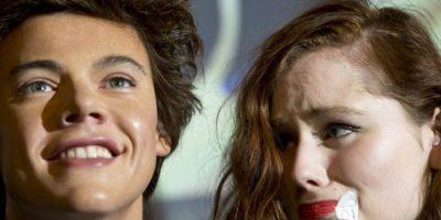 La que llora por ver la figura de cera de Harry. Tranquila, no huirá. Foto:Getty Images