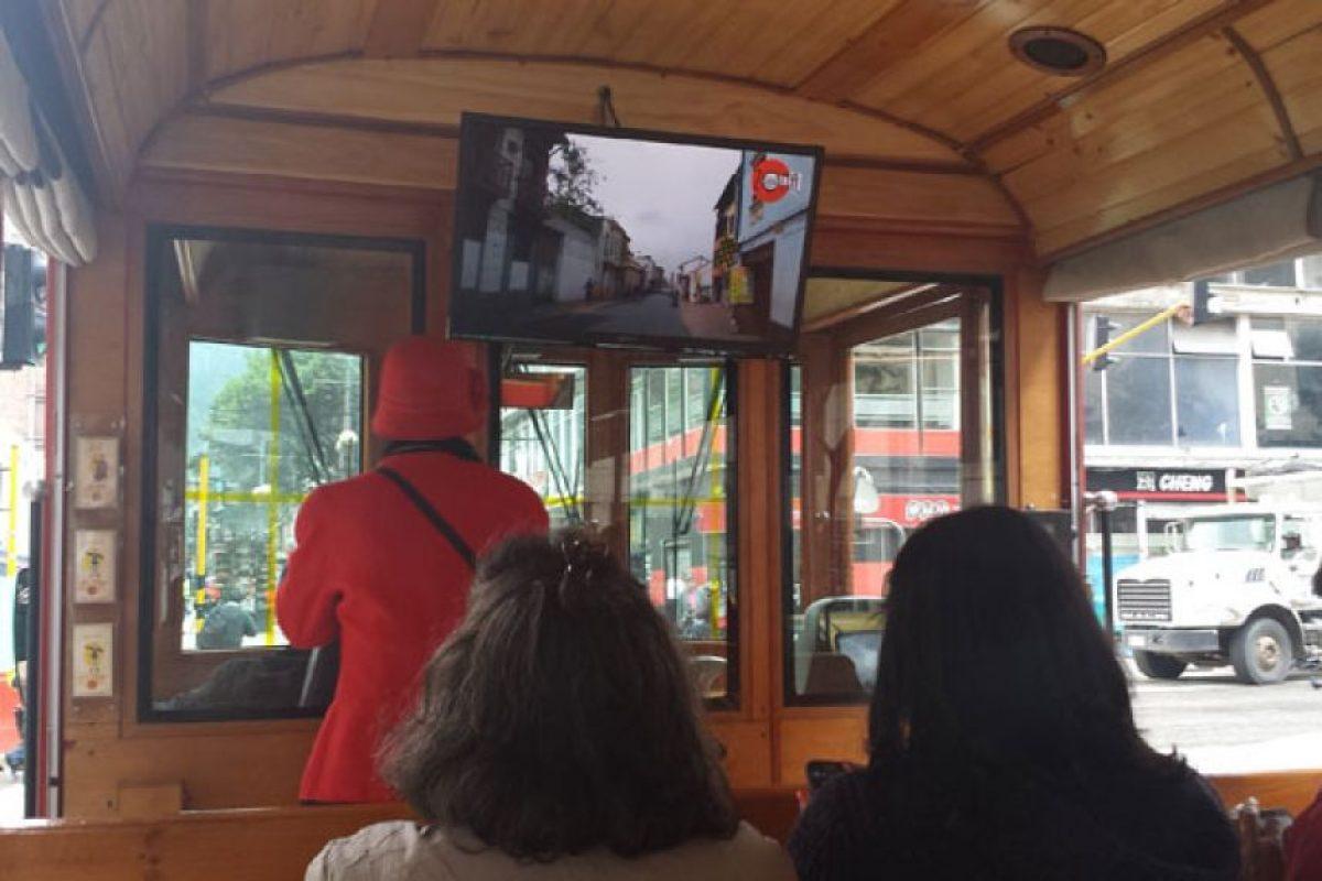 Con videos de la época se ilustra a los curiosos sobre la historia de Bogotá. Foto:Hernán Moreno / Publimetro