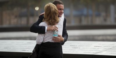 Los abrazos, científicamente comprobado, pueden utilizarse para equilibrar la temperatura del cuerpo, además que mejoran el estado de ánimo de las personas. Foto:Getty