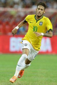 En 2009 debutó con el Santos de Brasil, equipo donde comenzó a brillar gracias a su talento. Foto:Getty Images