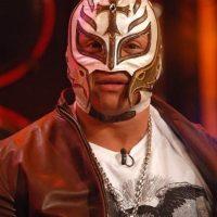 """Aunque todo fue parte de la pelea, Rey Mysterio fue juzgado como """"asesino"""" por un sector de aficionados a la lucha libre. Foto:Getty Images"""
