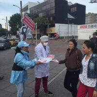 Promotores de Publimetro entregaron información a la gente sobre el virus. Foto:Cortesía Publimetro