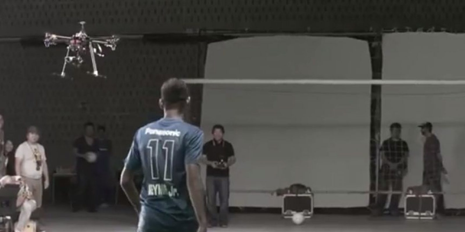 Así fue la pelea del brasileño con la aeronave no tripulada Foto:Youtube: Time4Foot