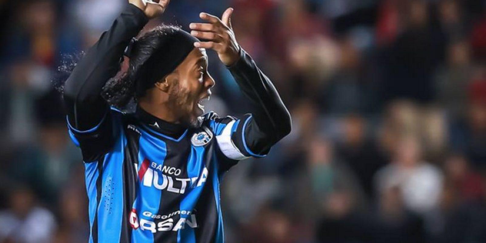 En las dos temporadas ha llegado tarde Foto:Facebook: Ronaldinho Gaúcho