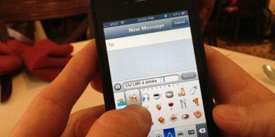 La variedad de los emojis les da una gran cobertura para poder comunicar emociones o sentimientos en la red. Foto:Google