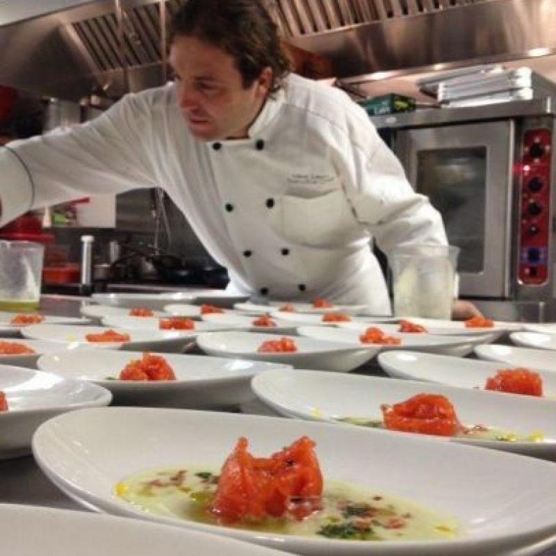 """""""La mejor forma de adquirir experiencia y conocimientos es el trabajo duro"""" Foto:Facebook.com/guria.rest"""