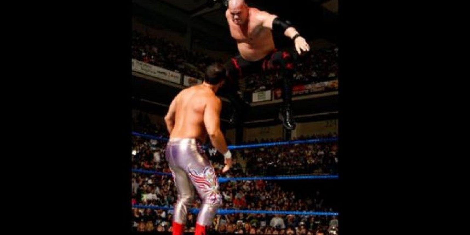4. 11 segundos duró la pelea entre Kane y Chavo Guerrero en Wrestlemania XXIV, la más corta de la historia Foto:WWE