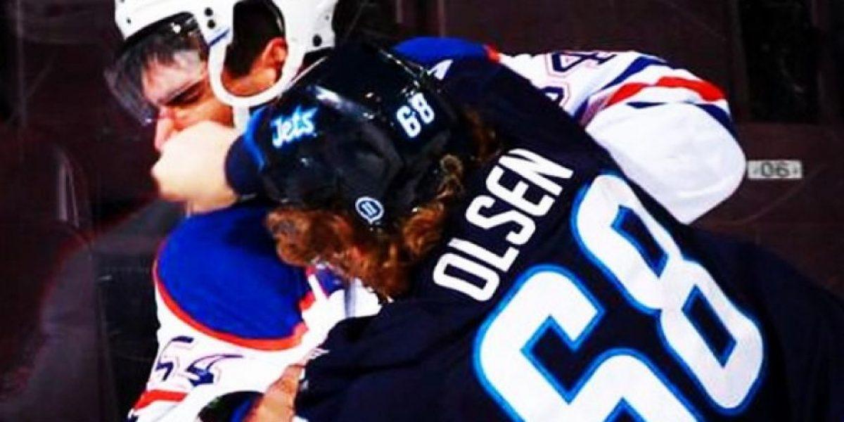 Brutal: Así terminó un jugador de hockey después de un intenso partido