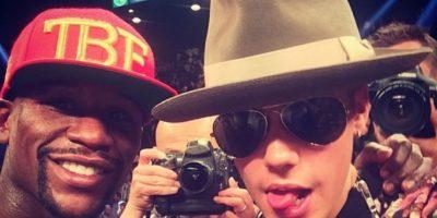 """Incluso Bieber se ha metido en problemas por defender """"a capa y espada"""" a Mayweather. Foto:Instagram @JustinBieber"""