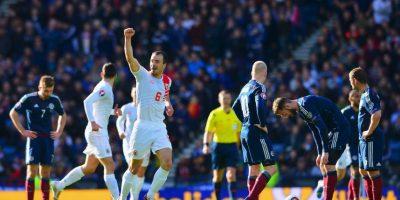 Lee Casciaro marcó el empate provisional en el partido ante Escocia Foto:Getty Images