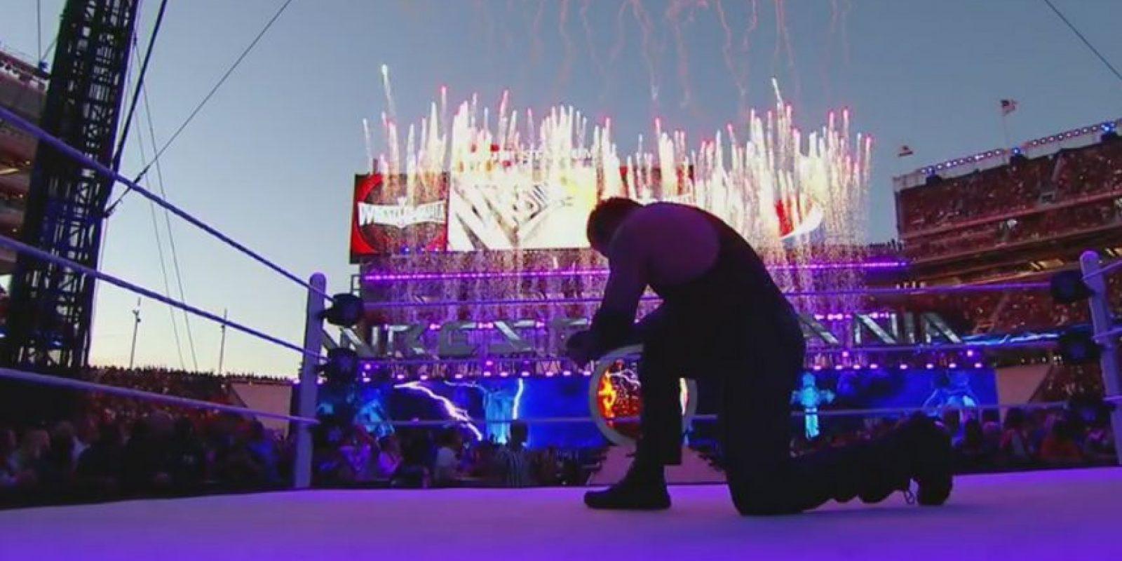 """El """"Enterrador"""" venció a Bray Wyatt Foto:WWE"""
