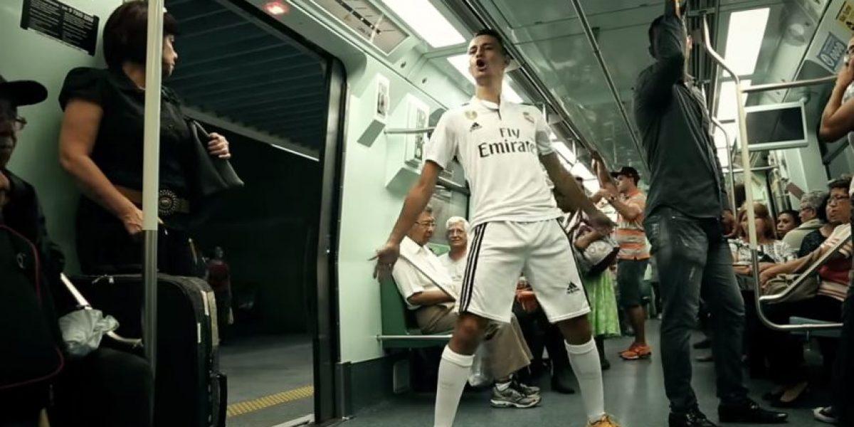 VIDEO: Así se comportaría Cristiano Ronaldo si viajara en el metro