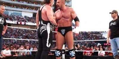 5. Al final de la pelea, Sting y Triple H dejaron atrás los problemas y se dieron la mano Foto:Twitter: @WWE