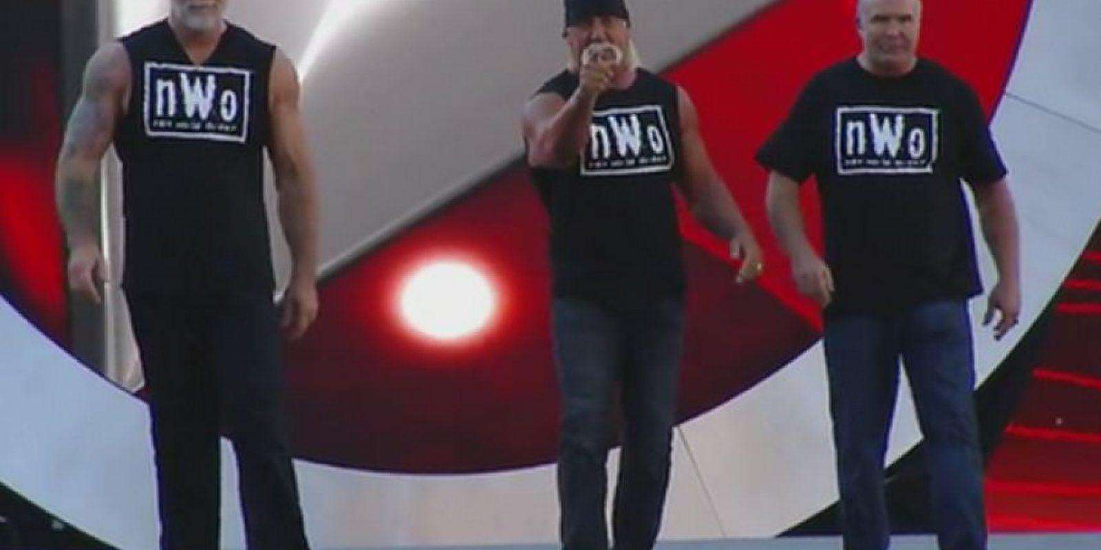 4. También apareció The New World Order, encabezados por Hulk Hogan, para apoyar a Sting Foto:Twitter: @WWE