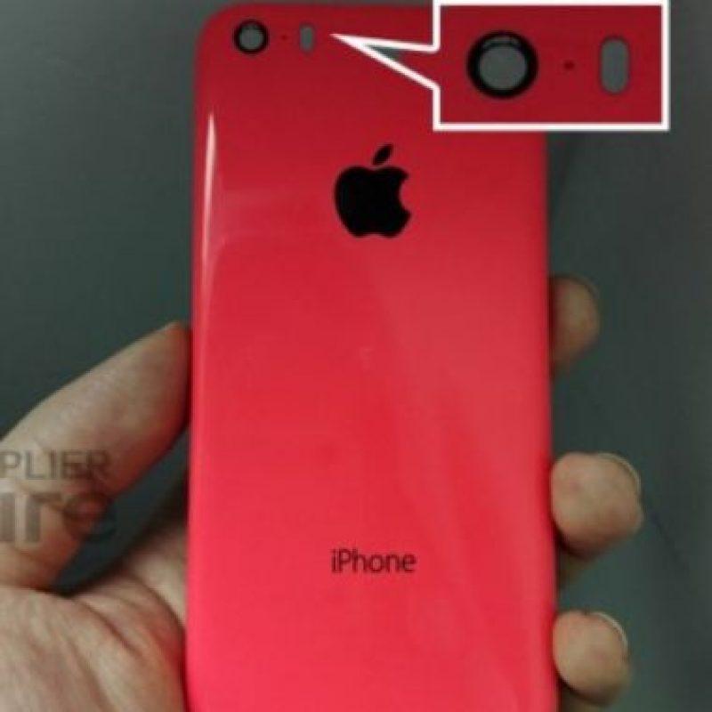 iPhone 6C con el flash ovalado. Foto:futuresupplier.com
