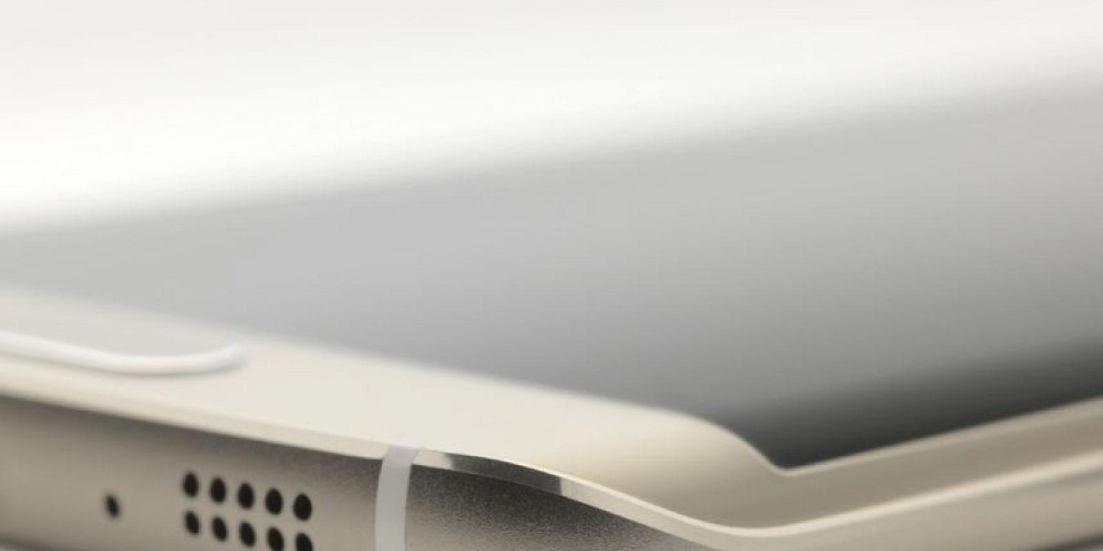 Se distingue por su pantalla curvada a la derecha e izquierda. Foto:Samsung