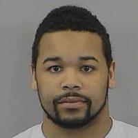 Dexter K. Poole, de 24 años de edad, fue detenido en Carolina del Norte, Estados Unidos, por publicar un video sexual de una niña de 16 años. La llevó a una fiesta y le dio alcohol sin el permiso de sus padres. Foto:Randolph County Sheriff's Office