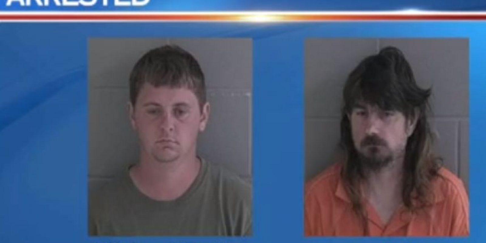 Michael Ray Taylor, de 23 años, y James Harold Johnson, de 47 años, fueron arrestados en Georgia, Estados Unidos, por abuso sexual de menores. Utilizaban Snpachat para contactar a sus víctimas. Foto:WJCL News
