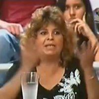 Hay una mujer que no deja hablar a Ana María. Foto:Telemundo