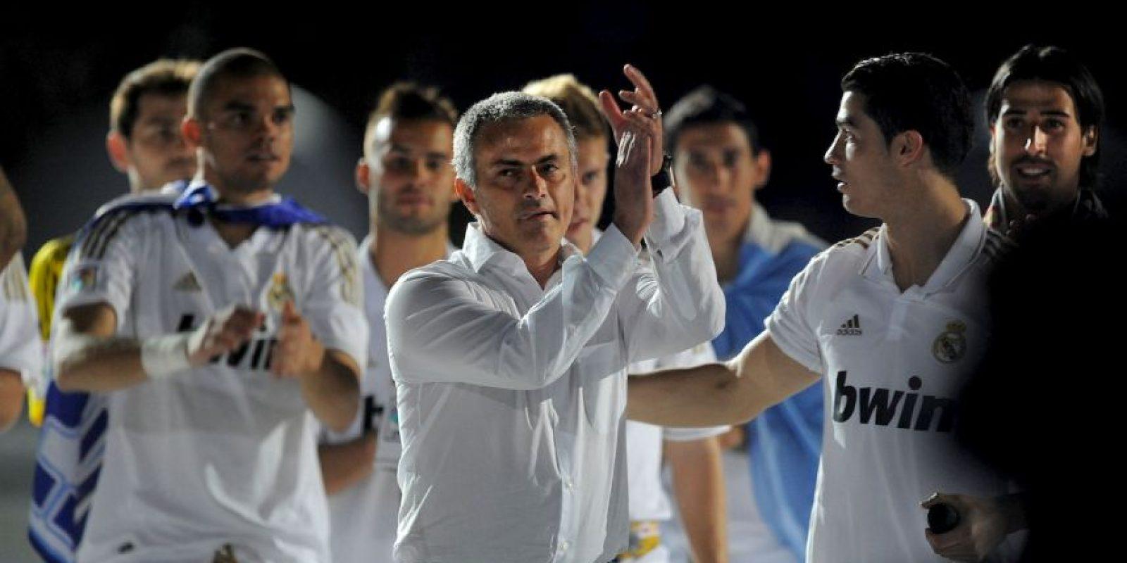 En la Copa del Rey de 2013, Jose Mourinho decidió no subir a recoger su medalla de subcampeón, porque fue expulsado en el segundo tiempo del partido. Fue su suplente, Aitor Karanka, quien tuvo que pasar por los premios del portugués. Foto:Getty Images